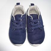 Легкие и удобные кроссовочки Primark размер 22, стелька 13, 5 см