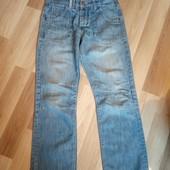 Фірменні джинси в хорошому стані