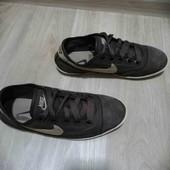 Замшывые кроссовки /Nike /38-39размер!!!