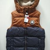Теплая жилетка с меховым капюшоном H&M