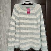 Фирменный новый красивый свитер-травка р.18-22