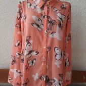 Красивая блуза с бабочками на наш 56-60 размер, отличное состояние
