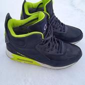 Кроссовки зимние Nike можно подростку б/у