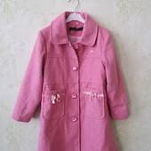 Пальто на подкладке демисезон 65 % шерсть на 4-5 лет в очень хорошем состоянии