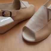 Широкая ножка !!!Босоножки Fortuna (натуральная кожа Италия) размер 39.5 длина стельки-25.5 см