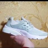 Женские кроссовки для спорта в стиле Nike