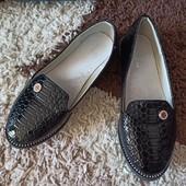 Туфли под лак на девочку 32р