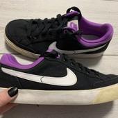 Классные кеды Nike оригинал 35,5 размер стелька 22,5 см