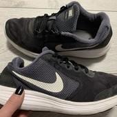 Кроссовки Nike оригинал 38 размер стелька 24 см.