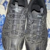 Чёрные детские кроссовки в хорошем состоянии 31 размер