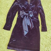 роскошный темно-синий глубокий цвет,  костюм бархат и атлас на  90-70-94 или меньше