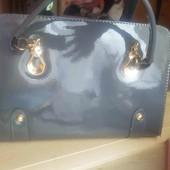 Продам сумку лакированная новая.