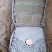 Качественная женская сумка кроссбоди.