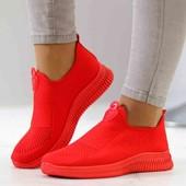 Женские кроссовки. Качество огонь