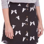 ☘ Якісна яскрава спідниця на гудзиках з принтом бантиків від Poppy Lux, розмір: 38