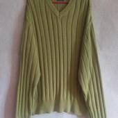 Яркий свитер оливкового цвета от old lrealand