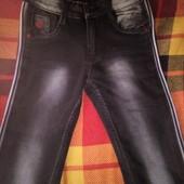 Новые джинсы узкачи с лампасами рост 152-158