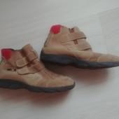 Замшевые ботиночки на липучках