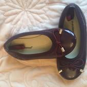 Нові лакові туфельки, р.28, стелька 16,5 см.