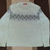 Фирменный свитер Ostin серебряной вышивкой и вклаплениями, р.L б/у в отличном состоянии
