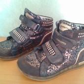 Кожаные босоножки и замшевые ботинки 31 р