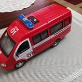 """Машина """"Пожарная охрана"""" открываются двери, звук, свет фар, реалистичный звук мотора, на батарейках"""