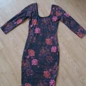 Платье по фигуре в цветочный принт с открытой спинкой