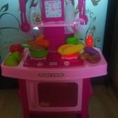Детская кухня в хорошем состоянии.Отличный подарок