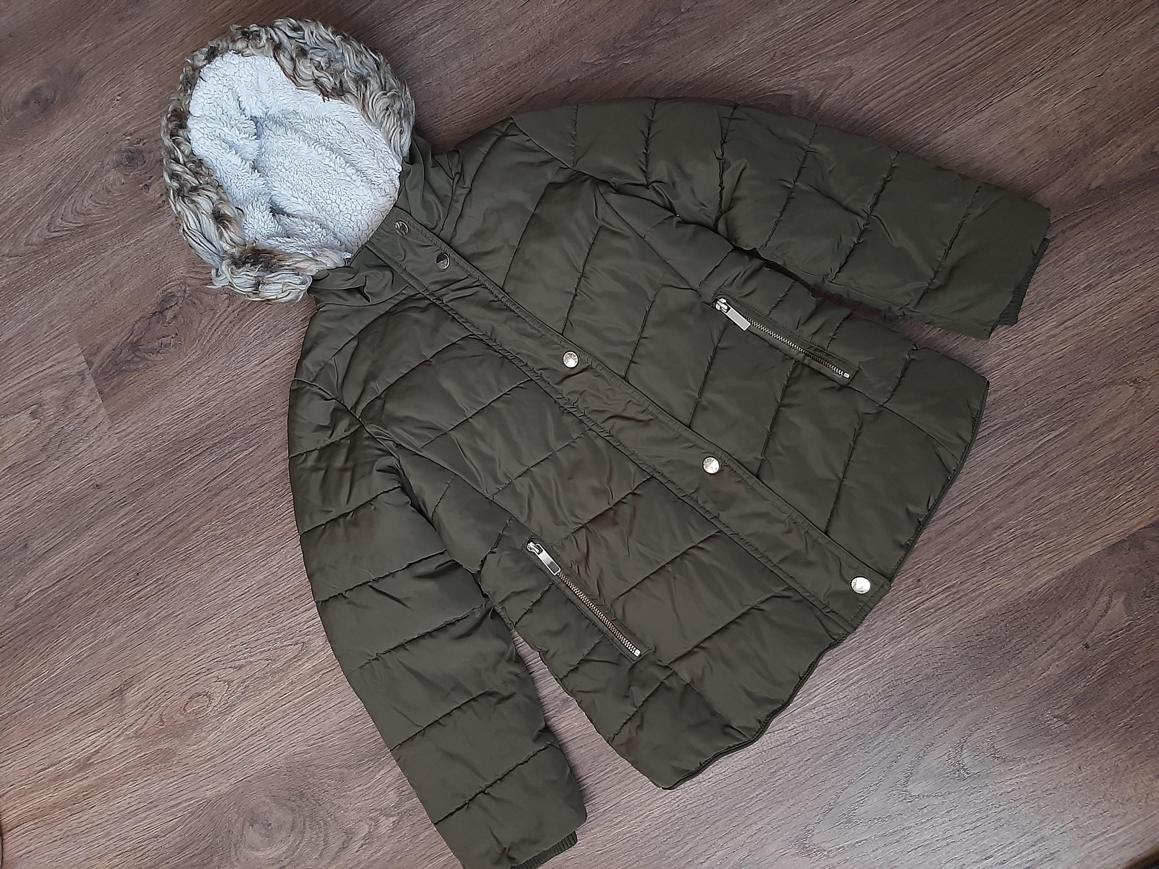Теплая. фирменная,качественная, зимняя куртка на ребенка 10-11 лет!!!