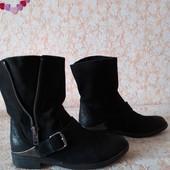 Чудові шкіряні чобітки бренда Bianko,p38 ст 24.5 см,стан нових,укріплена пьяточка