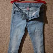 Джинсы с вышивкой на девочку 4-5 лет