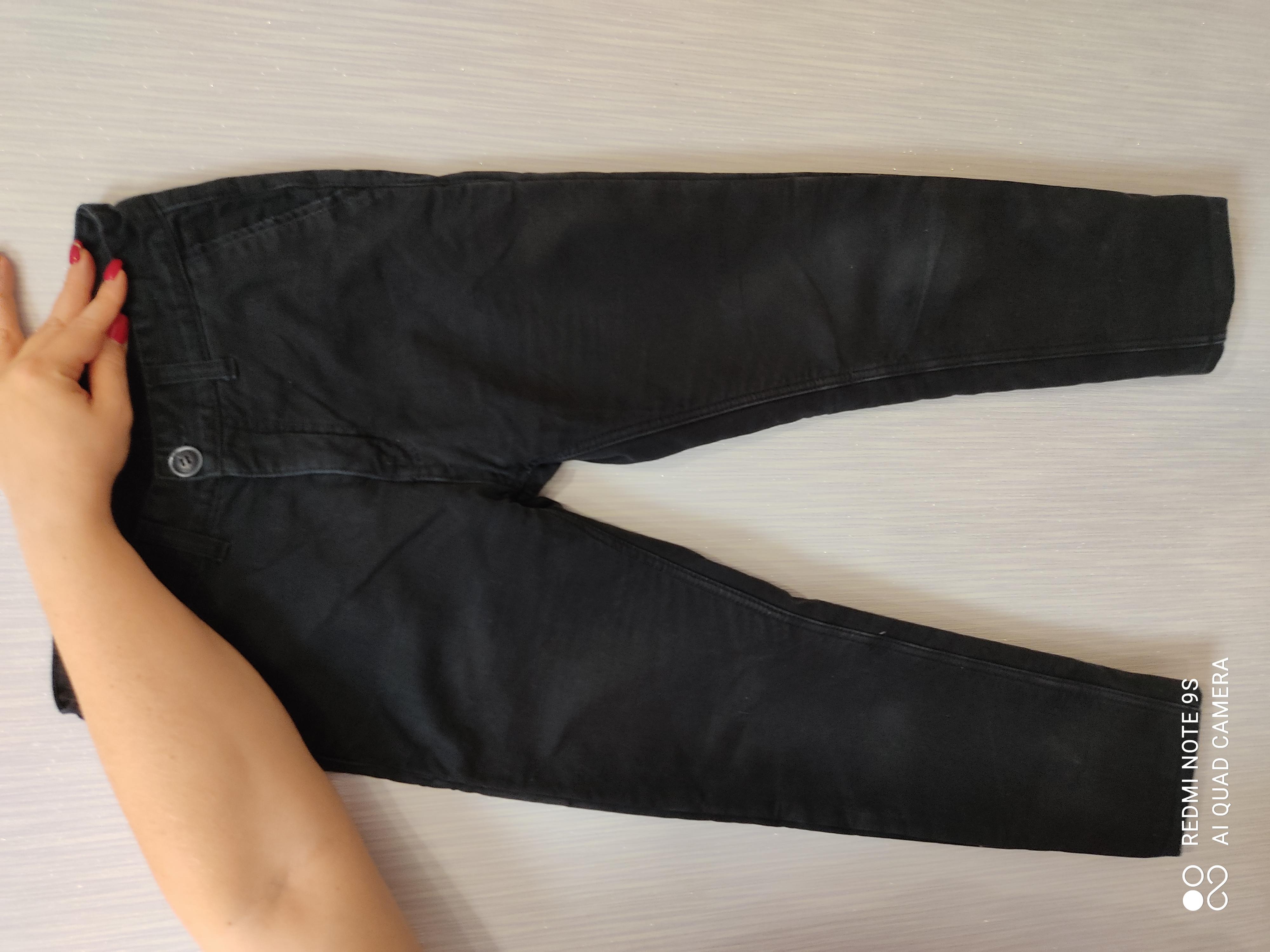 Зимние джинсовые брюки для подростка. В отличном состоянии.