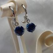очень красивые и нежные серьги-висюльки с синим алпанитом, родий