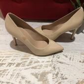 Туфлі із натуральної лакованої шкіри,від Minelli,розмір 35.Читаємо оголошення