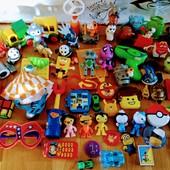 60 игрушек в 1 лоте, размером до 20 см.Герои известных мультфильмов и аксессуары. Бесплатная доставк