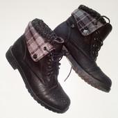37р. чёрные деми-ботинки с манжетом, кожзам 24см в идеале