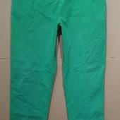 Стрейчевые яркие брюки..Мягкий стрейч..Верх на резинке.. р 52-54-56..Поб 56-70