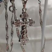 шикарный крестик с распятием, есть надпись Спаси и Сохрани, родий