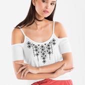 Белая футболка c&a с вышивкой на тонких бретелях, р.xl