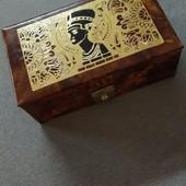 Шкатулка для прикрас Ніфертіті з Єгипту