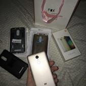 Мобильный телефон xiaomi ( в подарок много чехлов )