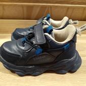 Кроссовки на мальчика, размер 25, стелька 15,5-16 см.