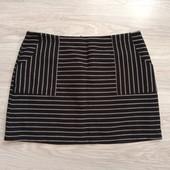 Фирменная красивая юбка в отличном состоянии р.18