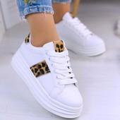 Стильные белые кеды на платформе.Удобно и красиво! 36-40размеры(23,5-25,5см)