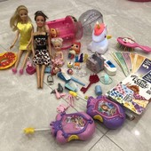 Купа дрібних іграшок