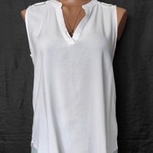 Лёгенькая фирменная блузочка с удлиненной спинкойи,вискоза,m/L