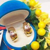 Новинка!!!Очаровательные зеркальные серьги -колечки с цветными кристаллами позолота 585 пробы
