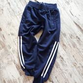 Брюки спортивные штаны с лампасами 122р 70/51 плотные.Весна