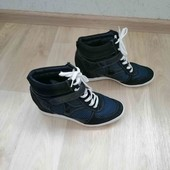 Сникерсы /ботинки на небольшой танкетке/Graceland /40-41 размер!!!