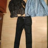 Одним лотом джинсы и два пиджака , р. М-Л